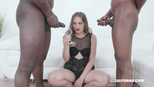 Bella Manning Drinks African Champagne Iv411 [SD]