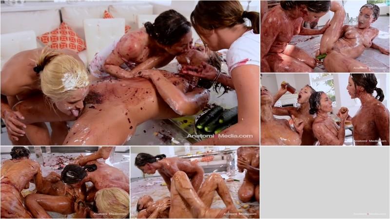 Messy Girls Last Supper [FullHD 1080P]