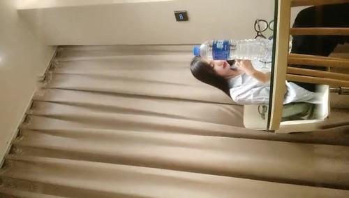 老哥探花约了个颜值不错衬衣妹子啪啪沙发上玩弄洗澡上位骑乘抽插[852MB]