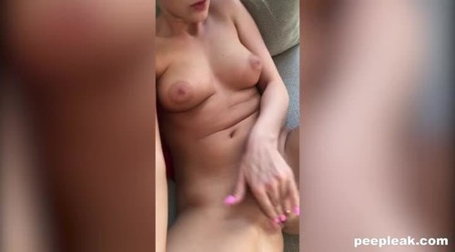 Stimulating - Her Pussy On The Couch