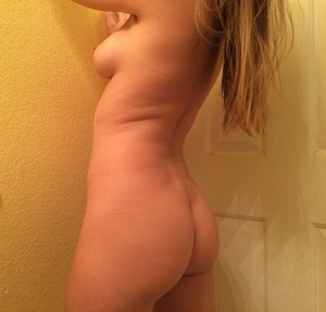 Young Naked Pic 1005 Zip