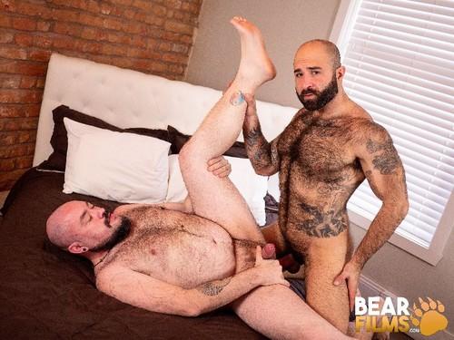 BearFilms - Tender: Atlas Grant, Bearsilien Bareback