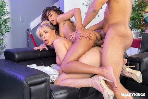 Table For Three [FullHD]