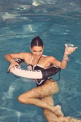 Kendall Jenner Qob248fhf8s6