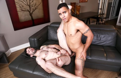 "Anthony Moore, Julian Brady in ""Moore Gym Recruits"" [FullHD]"