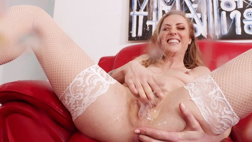 Is An Extra Wet Squirting Anal Whore [FullHD]