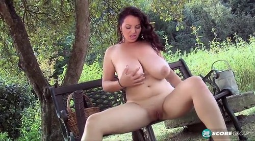 Joana Bliss - Garden Girl
