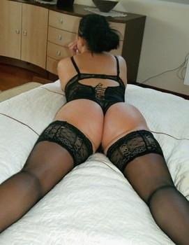 Housewifes-Wears-Stockings-z71qnru7dn.jpg