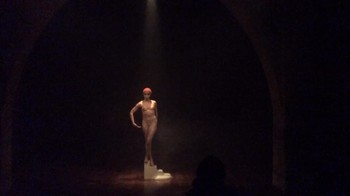 Celebrity Content - Naked On Stage - Page 28 Vkgkucwtv4e0