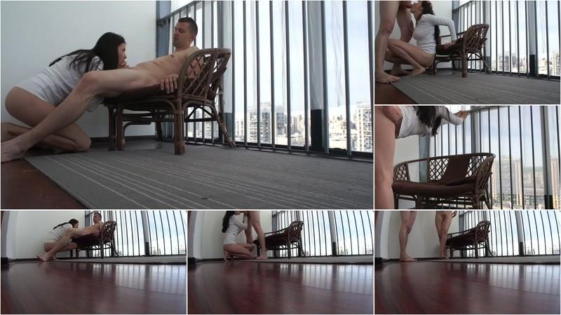 Mihazik, Princessaya - hardcore balcony public sex full uncuted video from 3 cameras PAID [FullHD 380 MB]
