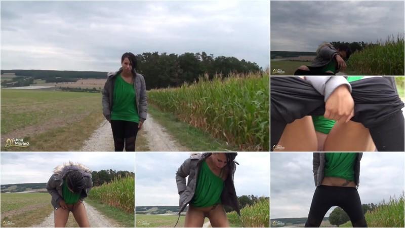 LenaMorino - Fast in die Hose gepisst [FullHD 1080P]