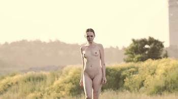 Naked Glamour Model Sensation  Nude Video - Page 6 K1jkwl2v7o1f