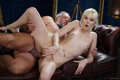 Miss Melissa - Determined Delivery Girl (SD)