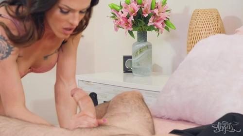 TransAngels 20 08 07 Carrie Emberlyn Soft Warm Pink XXX 1080p MP4-WEIRD