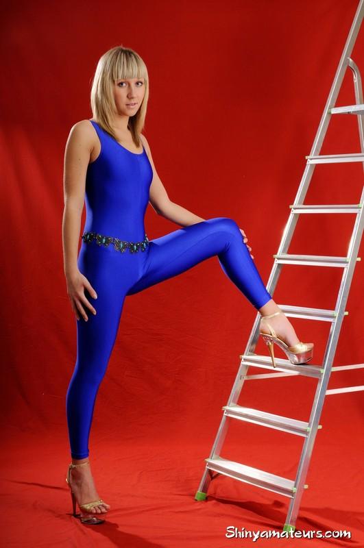 shiny amateur Lena S in blue unitards & high heels