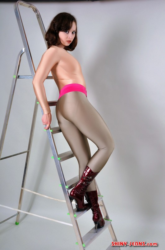 slavic model Lydia in sexy boots & spandex clothes