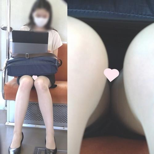 [4K動画][マスク顔出し]とても美人なOLさんのパ〇ストから紫パ〇ツ[ドアップあり]電車からの風景~