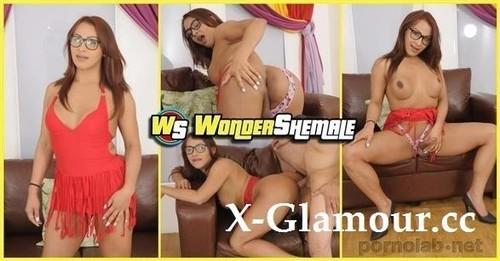 GISELLE FOX - Wonder Shemale [FullHD/1080p]