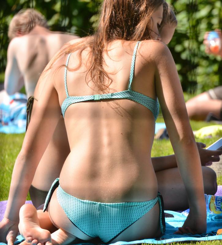 college girls sexy bikini voyeur photos