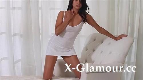 Amateurs - Tanned Seductress Cums [SD/480p]