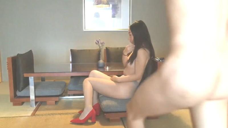 小伙高级公寓露脸约炮美女同事穿上肉色丝袜和骚气的红色高跟鞋