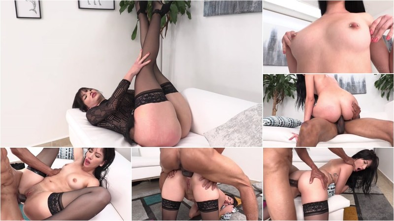 Yenifer CHP gets first anal with BBC NT045 [HD 720P]
