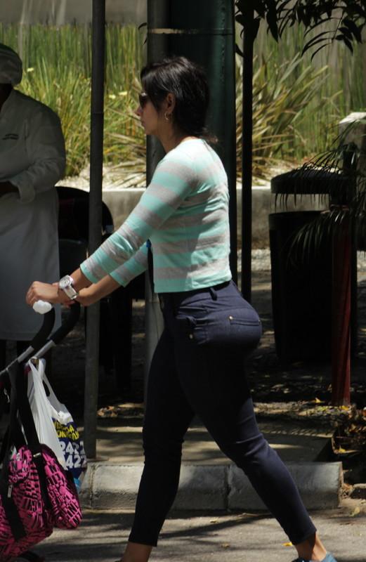 latina milf booty in tight pants