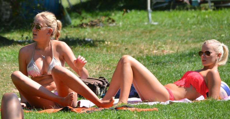 beach volleyball teens bikini voyeur pics