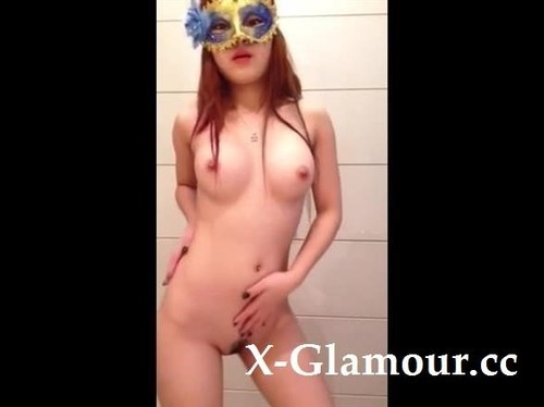 Amateurs - Girl With A Mask Strips And Teases On Webcam [SD/480p]