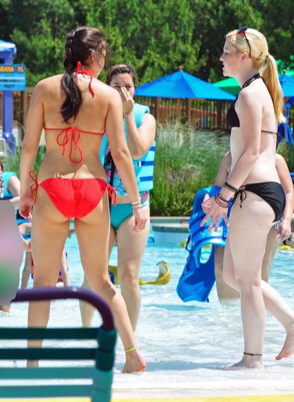 2 sweet college teens naughty swimming pool pics