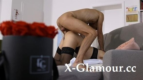 LexieXmarc - I Gave Him An Intense Rim Job On My Chair! His Huge Cock Filled Me Perfectly [FullHD/1080p]