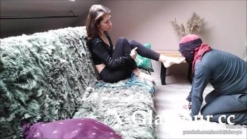 Nina Yo - Whipping And Foot Worship Nina Yo Humiliates Slave Makes Sniff Her Panties (FullHD)