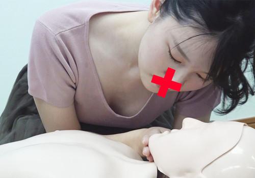 【胸チラ】救命講習中⑨