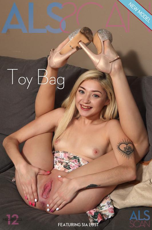 Sia Lust - Toy Bag  (2021-04-23)