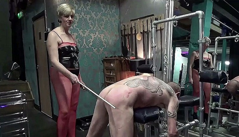 Mistress Modesty Delivering Caning Kisses [HD 810P]