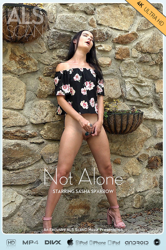 Sasha Sparrow - Not Alone (2021-05-20)