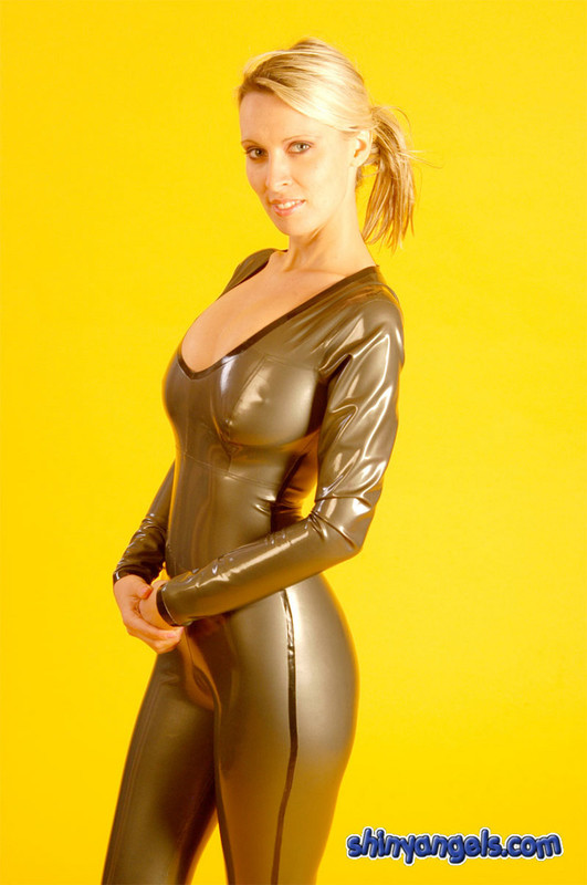 lustful shiny angel in rubber catsuit