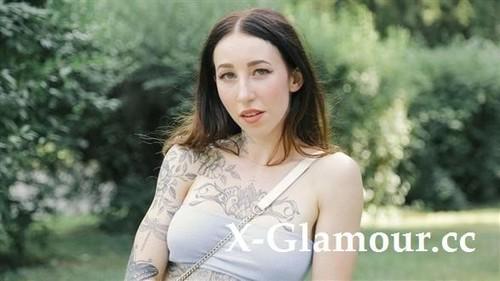 "Esluna in ""A Blowjob For A Free Tattoo"" [SD]"