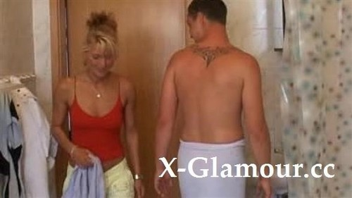 """Amateurs in """"Euro Housewife Gets Fisted And Fucked"""" [SD]"""