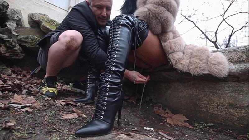 Mistress Kennya and friends kaviar and human toilet [FullHD 1080P]