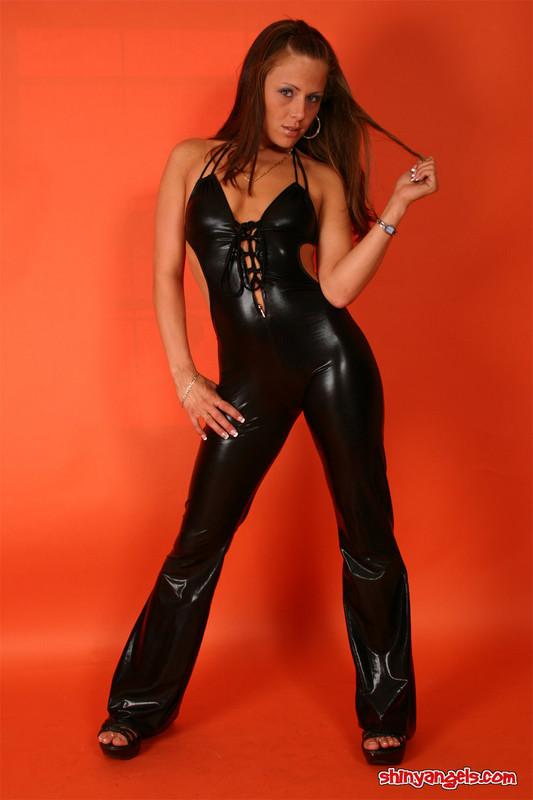 kinky shiny angel in leather outfit