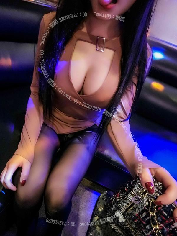 極品爆乳女神『麻酥酥喲』-KTV包房裡的呻吟 爆裂黑絲高跟 性感誘惑 高清私拍39P 高清720P原版