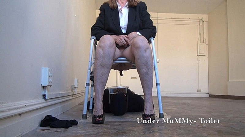 Under MuMMys Toilet - Open Your Mouth and Take My Shit TOILET [FullHD 1080P]