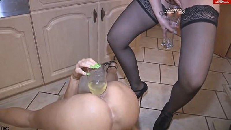 Amateur lesbians amazing fisting and peeing domination [HD 720P]