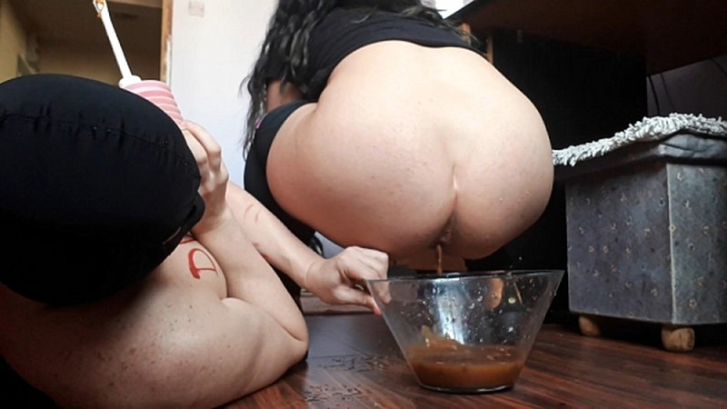 Donna and Betsy enema and diarrhea meal - GoddessAndreea [FullHD 1080P]