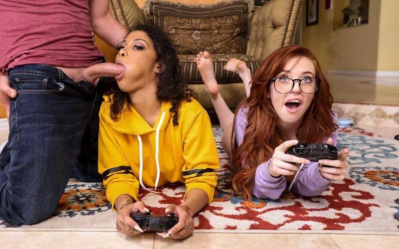 Jeni Angel, Madi Collins - Gamer Girl Threesome Action - Watch XXX Online [FullHD 1080P]