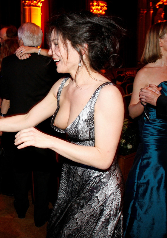dress malfunction