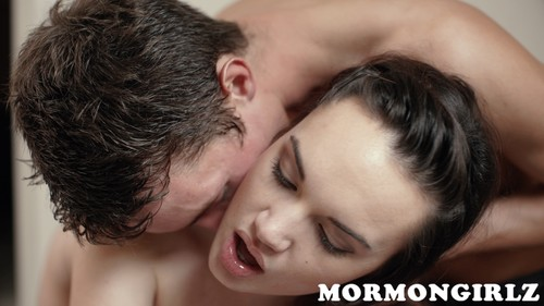 Mormongirlz.com- Sarah Snow Lets a Missionary Eat Her Out