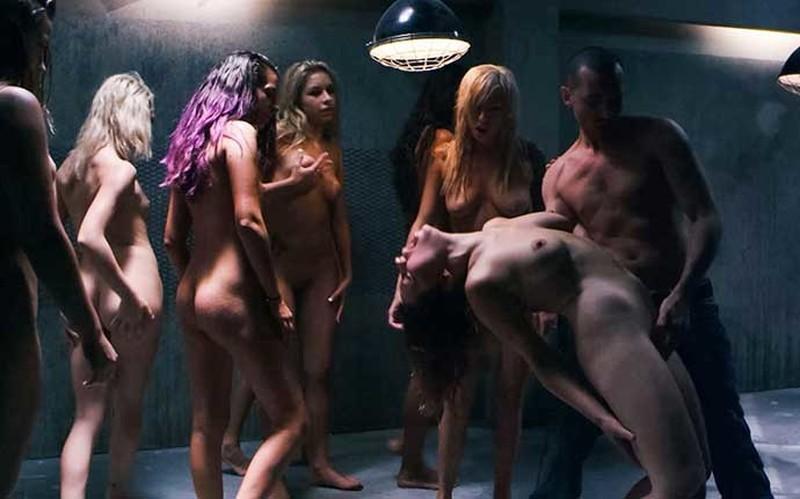 Carmen Caliente, Dani Daniels, Delilah Davis - Surrounded [FullHD 1080P]