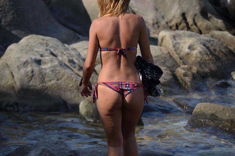gorgeous booty in great bikini